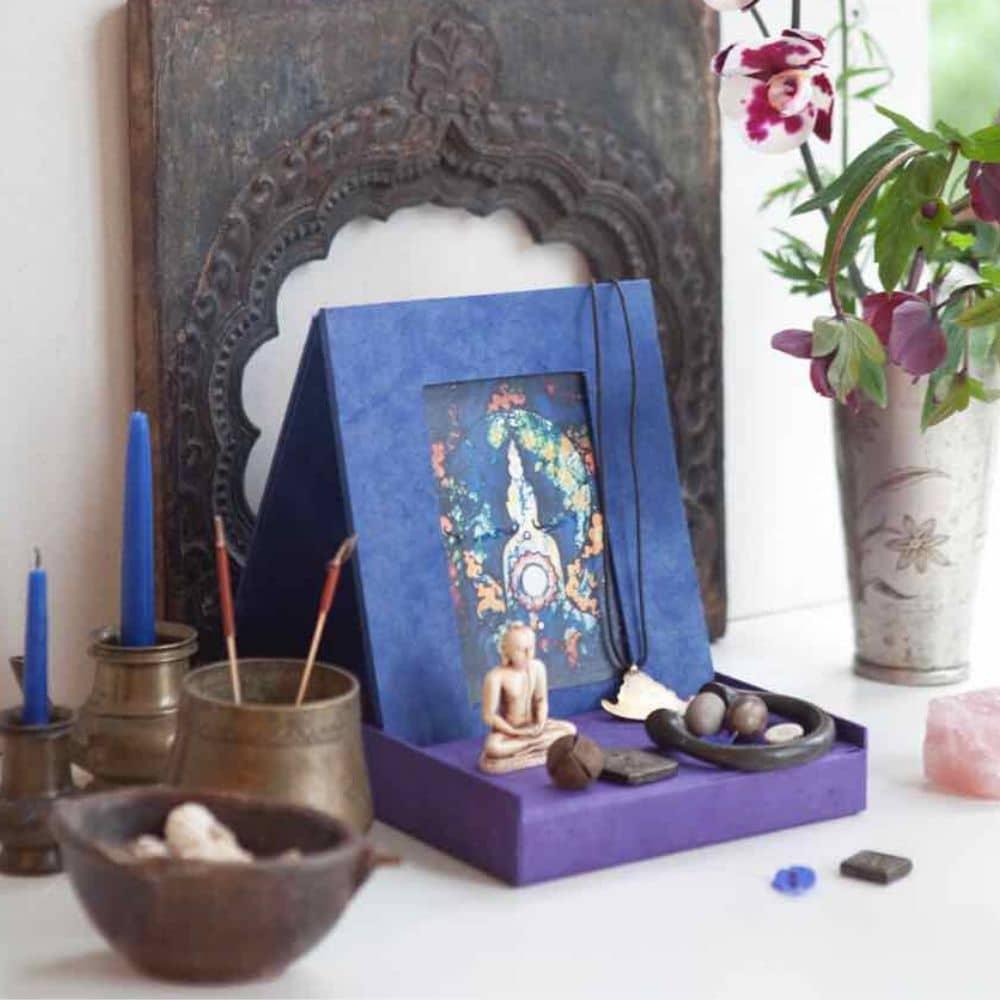 Een huisaltaar of meditatiehoekje inrichten: 5 tips! | Blooming Home